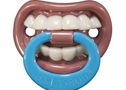 La tétine dentier pour bébé !